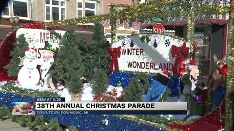 38th annual Candle-light Christmas parade roles through Dowagiac