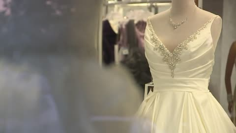 Bridal company Alfred Angelo will not fulfill remaining dress orders