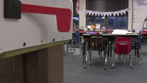Battell Elementary 3rd graders become pen pals with Houston students