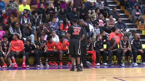 Benton Harbor boys extend unbeaten season against South Bend Clay