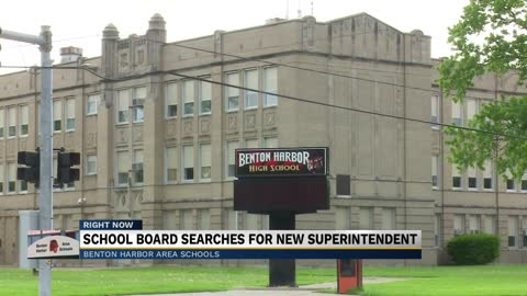 Benton Harbor School Board reacts to pending departure of superintendent