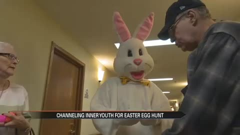 Brookdale seniors prepare for Easter egg hunt