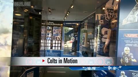 Colts Bus makes stop at Four Winds Field