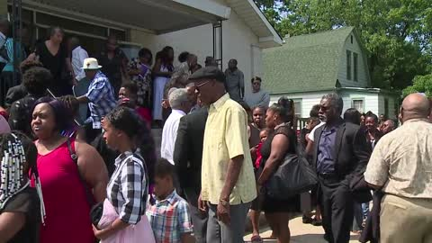 Community gathers at funeral for victims of the deadly motel fire