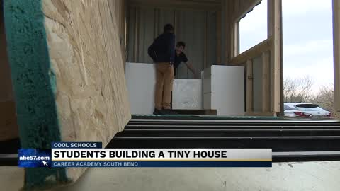 Cool Schools: Career Academy students build tiny house