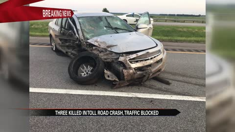 Three killed in Toll Road crash
