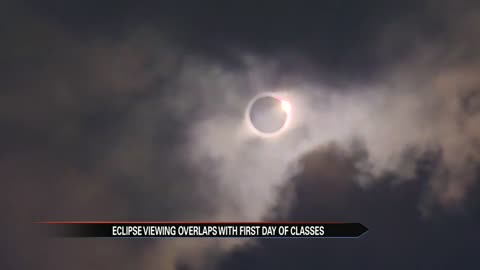 Students experience total eclipse on first day of classes