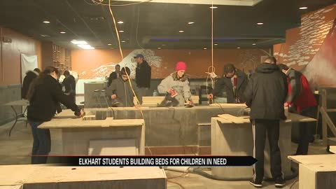 Elkhart teens build bed for family in need