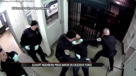 Elkhart residents press mayor on Elkhart police excessive force case