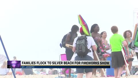 Families flock to Silver Beach for Independence Day fireworks show