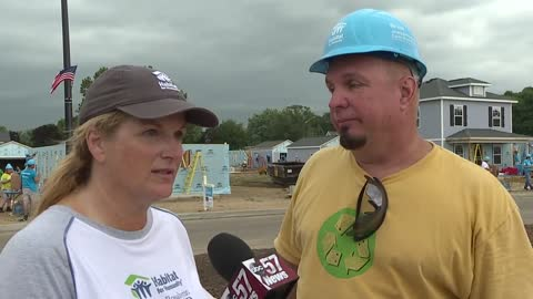 Garth Brooks, Trisha Yearwood add star power to Carter Work Project