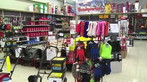 Hardware stores prepare for snowy weekend