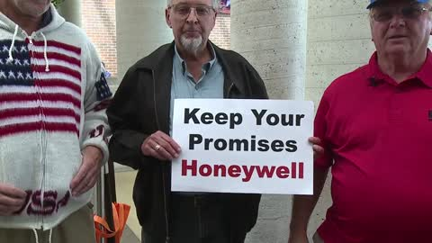 Honeywell retirees speak out prior to health care forum