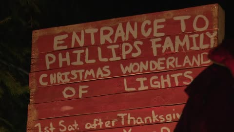The Greatest Michiana Light Fight: Phillips' Family Christmas Wonderland