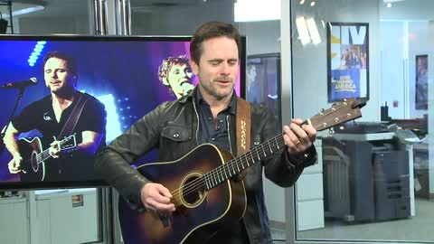 """Nashville"" star and singer Charles Esten performs in studio ahead of tonight's concert"