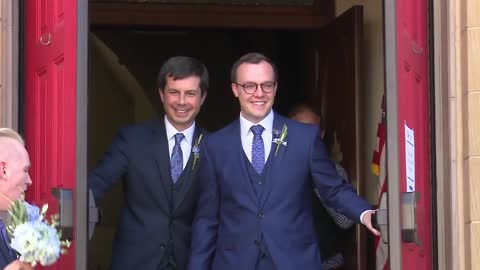 Mayor Pete Buttigieg marries longtime partner in downtown South Bend