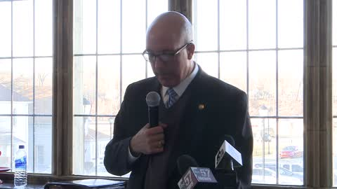 Mishawaka Mayor Dave Wood announces he's running for re-election