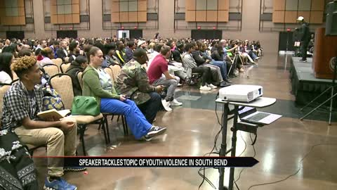 'Hip hop preacher' Eric Thomas motivates South Bend students