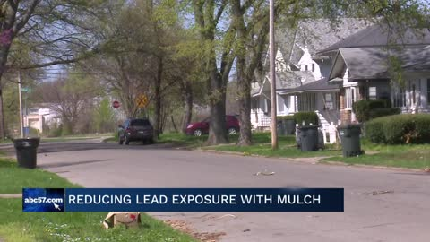 Mulch Madness volunteer day to reduce lead exposure in Near Northwest Neighborhood