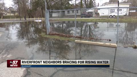 Neighbors bracing for rising river levels