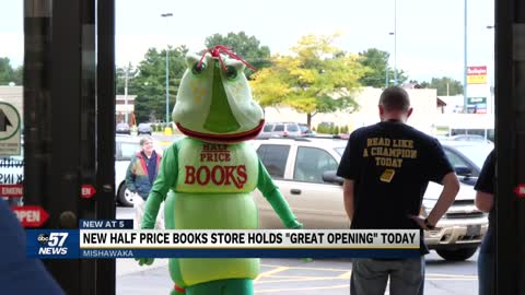 New Mishawaka bookstore hosts a grand opening