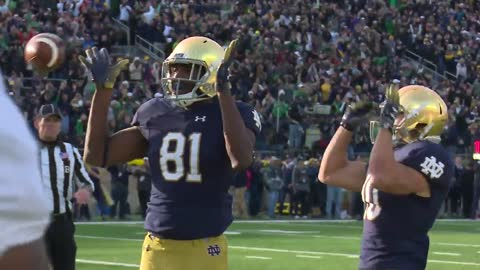 Notre Dame survives Pitt upset scare to stay undefeated
