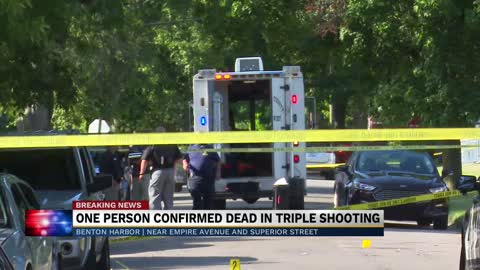 One dead in triple shooting in Benton Harbor
