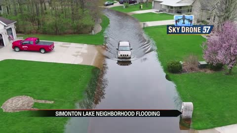 Simonton Lake neighborhood faces flooding and storm damage