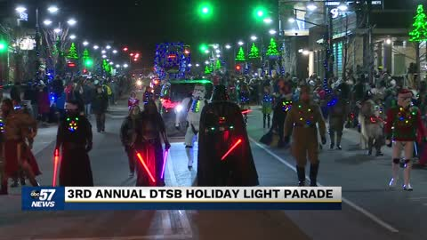 South Bend Light Parade rolls through downtown