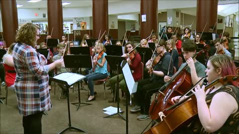 Sounds of the Season: Mishawaka High School Orchestra - Good...