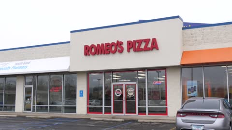 Romeo's Pizza opens on South Bend's northeast side