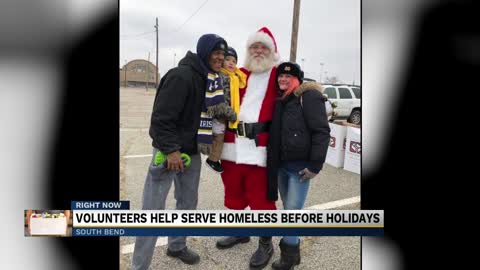 Volunteers help serve homeless before holidays
