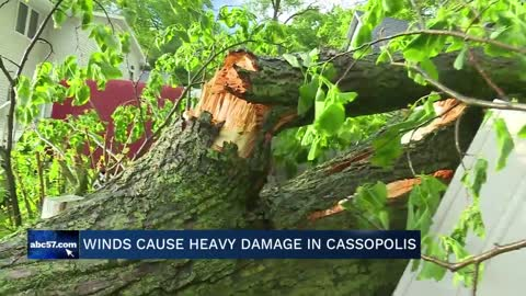 Wind gusts cause heavy damage in Cassopolis neighborhood