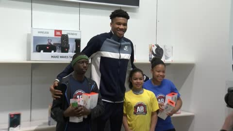 'Super happy': Giannis surprises three young Milwaukee athletes