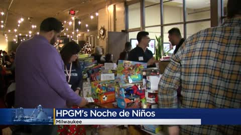 'Noche de Niños' collects more than 2,100 toys for children...