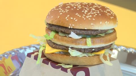 Wisconsin man breaks record for eating 30,000 McDonald's Big Mac's