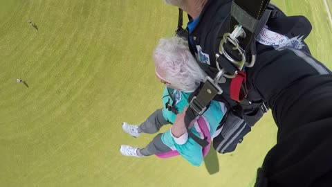 An 81-year-old Cancer Survivor skydives on her 10th Anniversary being cancer-free