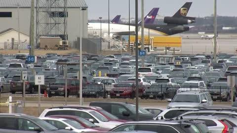 Airport says travelers should be able to find parking after lots hit capacity at Mitchell International