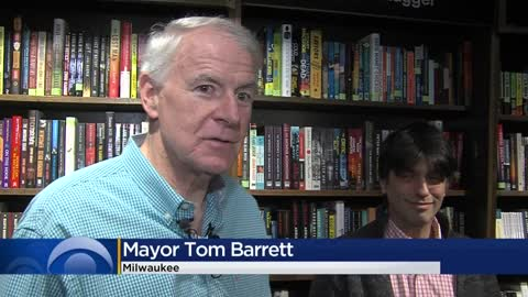 Mayor Barrett promotes small retailers, proclaims 'Small Business Saturday'