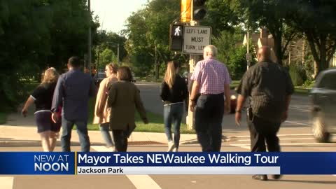 Mayor Tom Barrett joins NEWaukee walking tour in Jackson Park