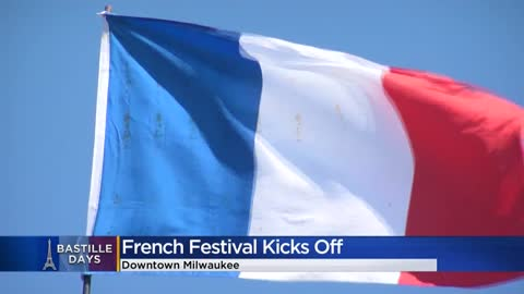 Runners storm the Bastille to kick off French festival