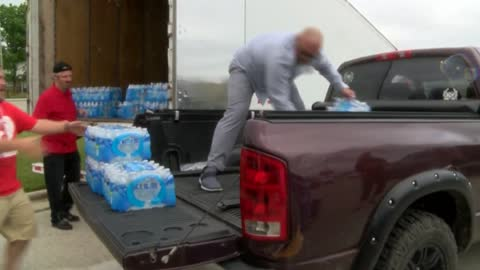 Bottles for Burlington water drive ongoing in Milwaukee