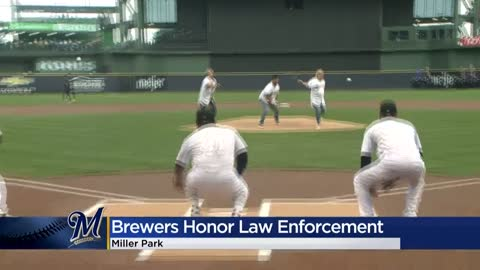Brewers pay tribute to Wisconsin law enforcement Friday night