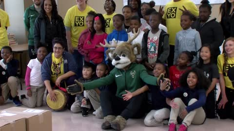 Milwaukee Bucks help give free Halloween costumes to local kids