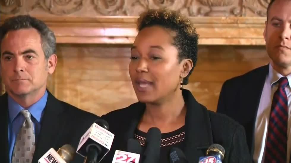 Lena Taylor considers run for Milwaukee Mayor