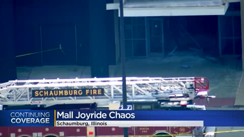 SUV drives through Woodfield Mall in Schaumburg, suspect in custody