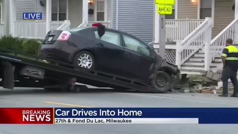 Car crashes into building near 27th and Fond du Lac