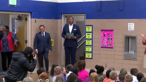 """You can be anything when you grow up:"" Caron Butler speaks to Racine students"
