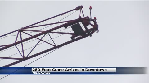280-foot crane arrives in downtown Milwaukee, will provide heavy lifting for BMO Tower construction