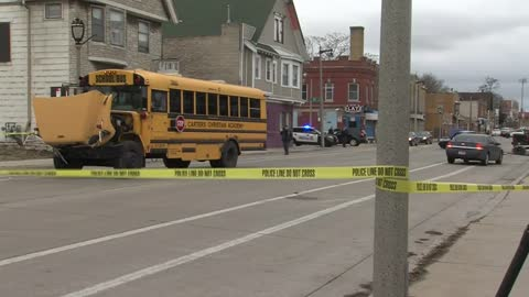 Update: Vehicle fleeing from Milwaukee Police causes three-vehicle accident involving school bus